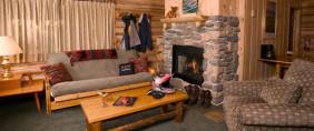 Cozy Cabin Living Room at Elkins Resort on Priest Lake