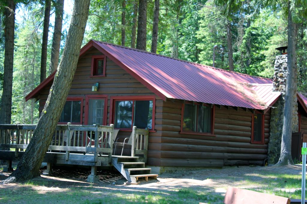 Cabin Rental In Idaho Elkins Resort On Priest Lake