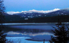 Snow capped mountains at Priest Lake near Elkins Resort